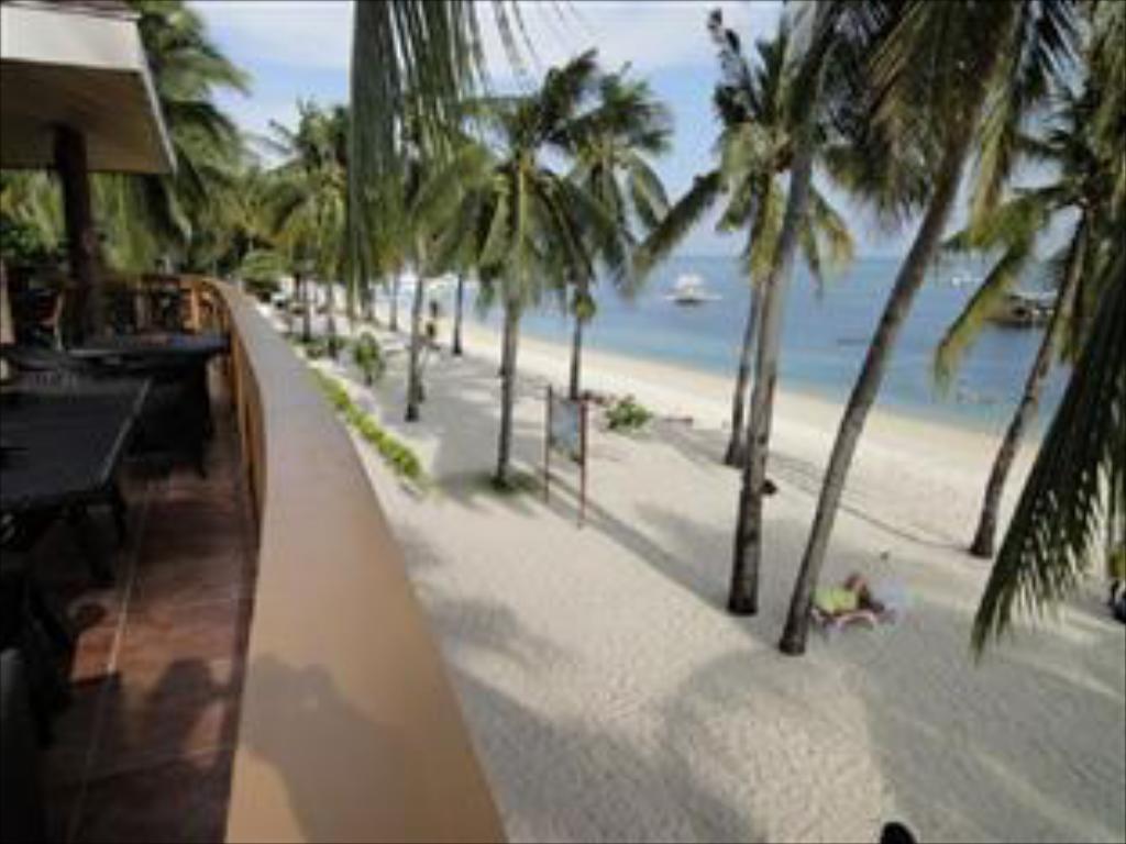 Cocobana Beach Resort 2