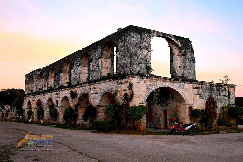 Oslob Cuartel Ruins