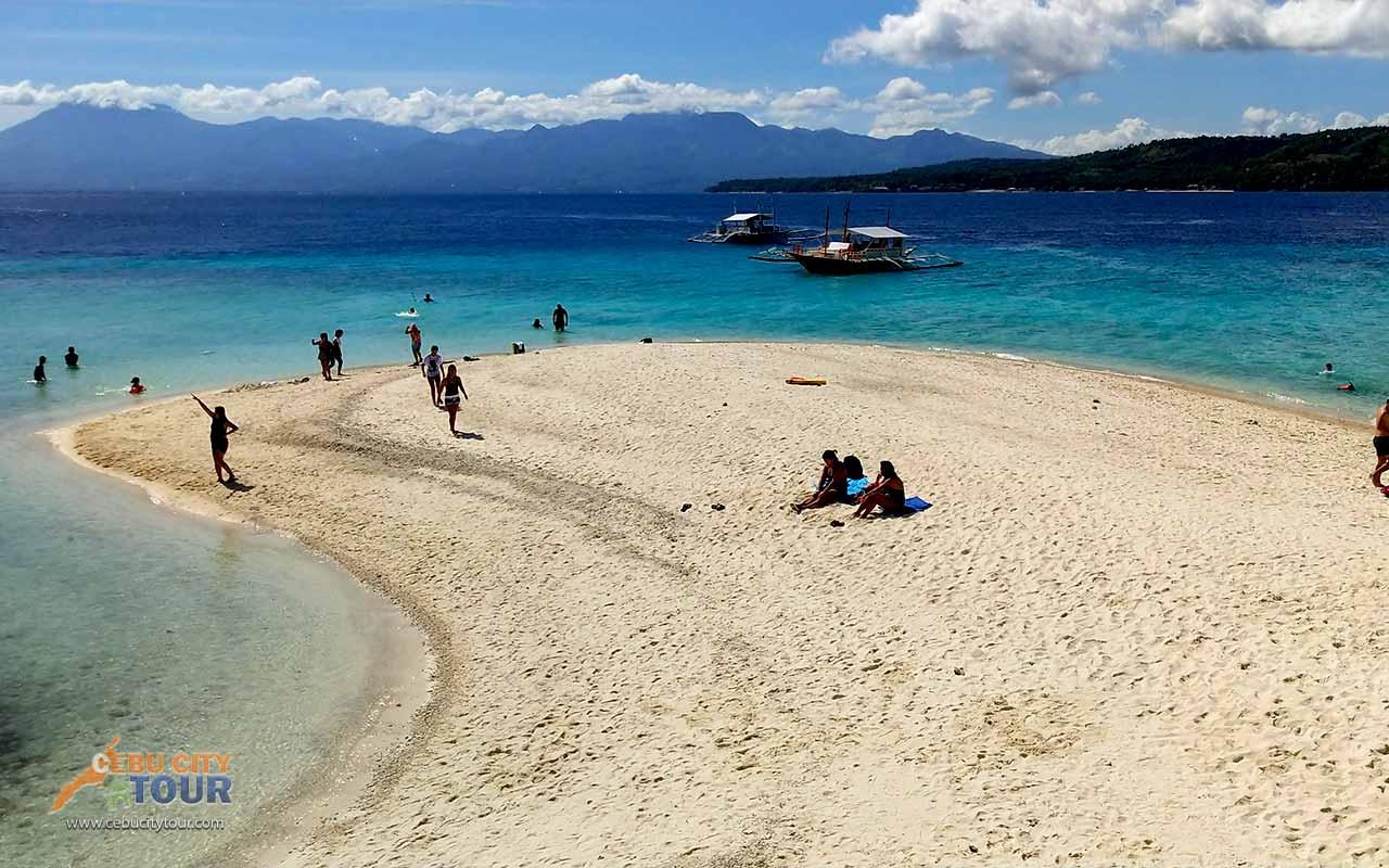 sumilon-Island-sanbar