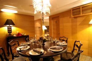 anzani-cebu-restaurant-room