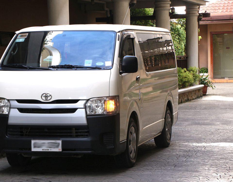 Cebu Commuter Van - HI ACE rental
