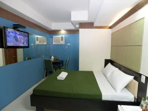 Valleyfront Hotel Standard Double Bed