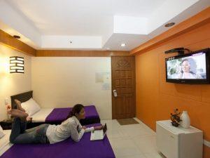 Valleyfront Hotel Standard Twin Bed