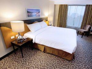 Elizabeth Hotel Deluxe Queen Room